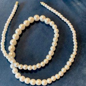 Jewelry - Faux Pearl Necklace - Feminine & Classy!